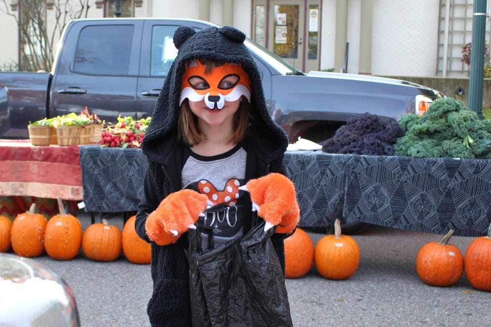 Trick-or-Treat at the Cedar Falls Farmers Market