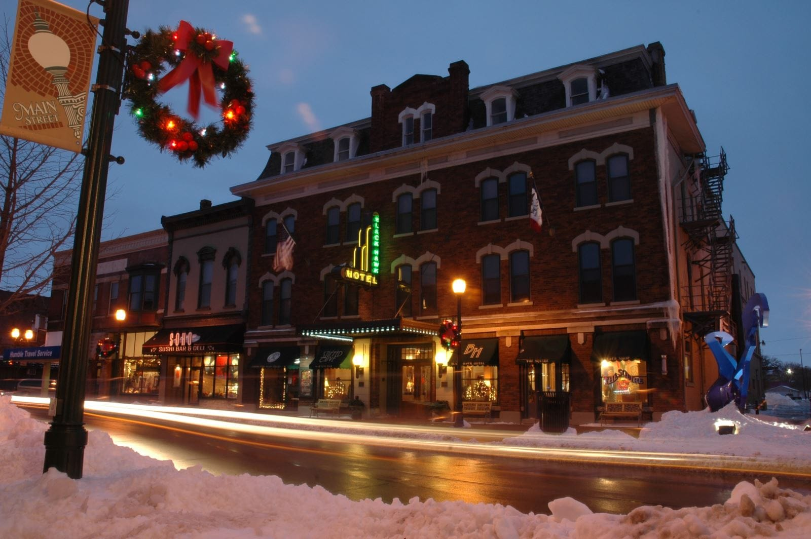 Blackhawk Hotel holidays | Downtown Cedar Falls, Iowa