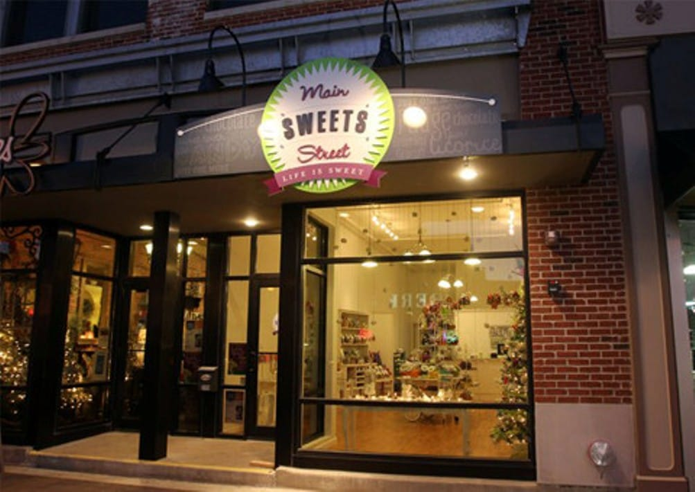 Main Street Sweets | downtown Cedar Falls, Iowa | 'Tis the Season for Candy and Treats! Blog Post