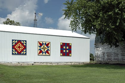 Bill & Jeanine Davidson | Black Hawk County Barn Quilts | County Fair, Family Pride, Country Roads | Cedar Falls, Iowa