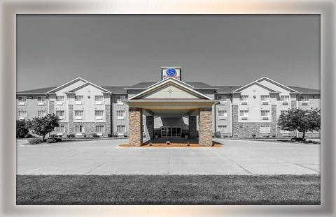 Comfort Suites: 81 rooms *Meeting Space Available