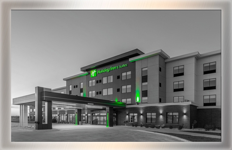 Holiday Inn & Suites: 126 rooms *Meeting Space Available