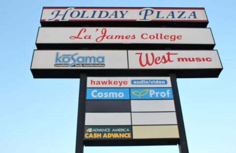 Holiday Plaza
